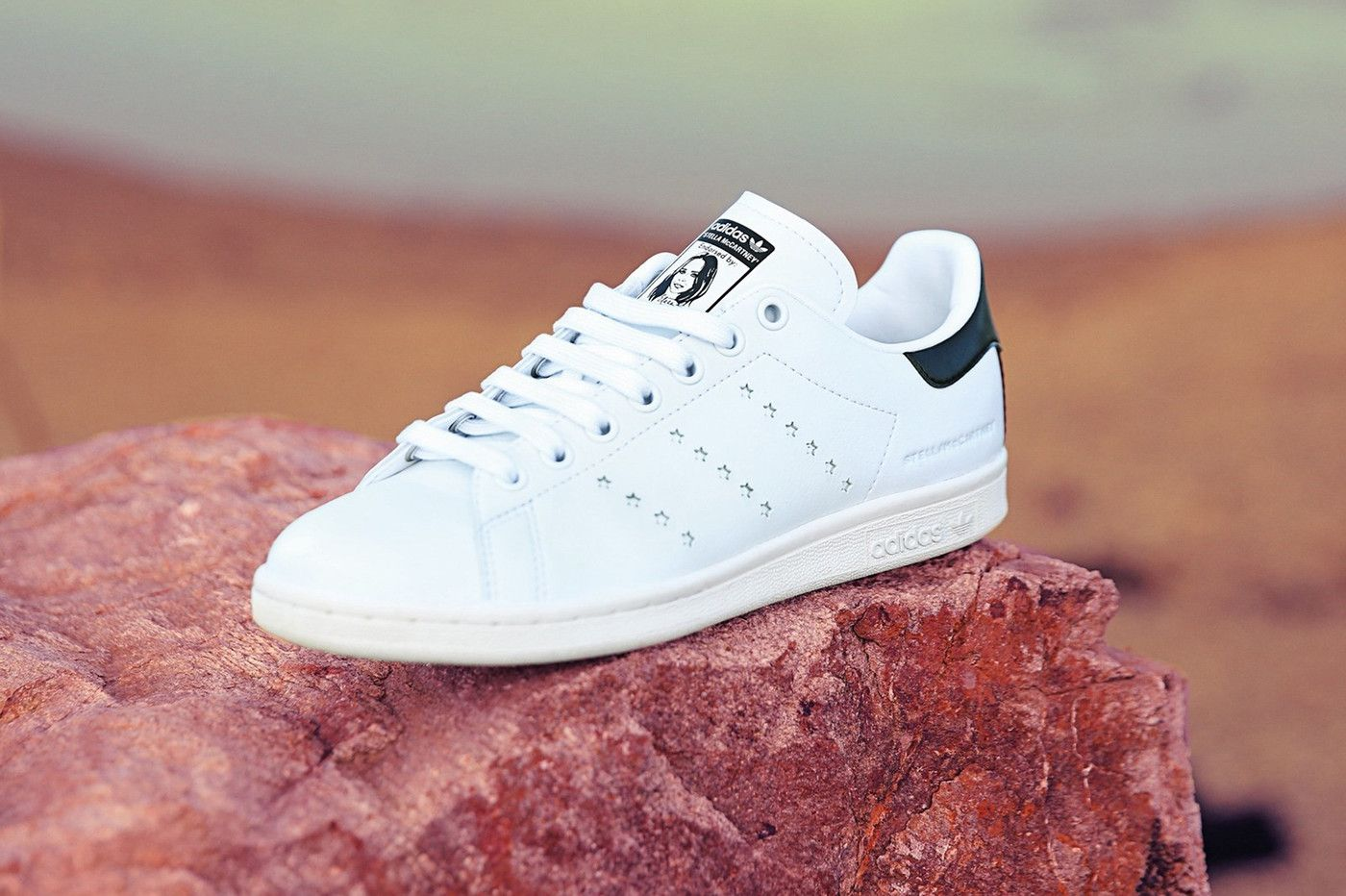 https_hypebeast.comimage201809adidas-stan-smith-stella-mccartney-vegetarian-01