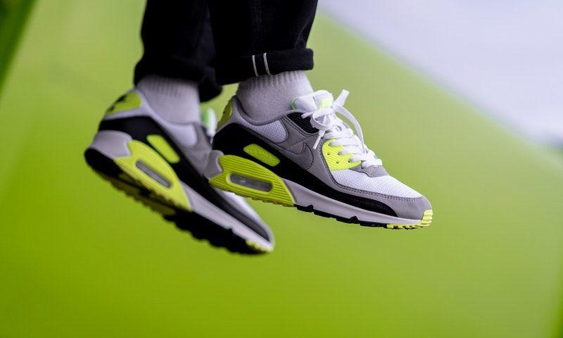 Cápsula Nike Air Max 90 VOLT